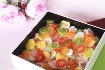 フォトジェニックなひな祭りのお料理なら。おしゃれかわいい「水玉ちらし」はいかが?