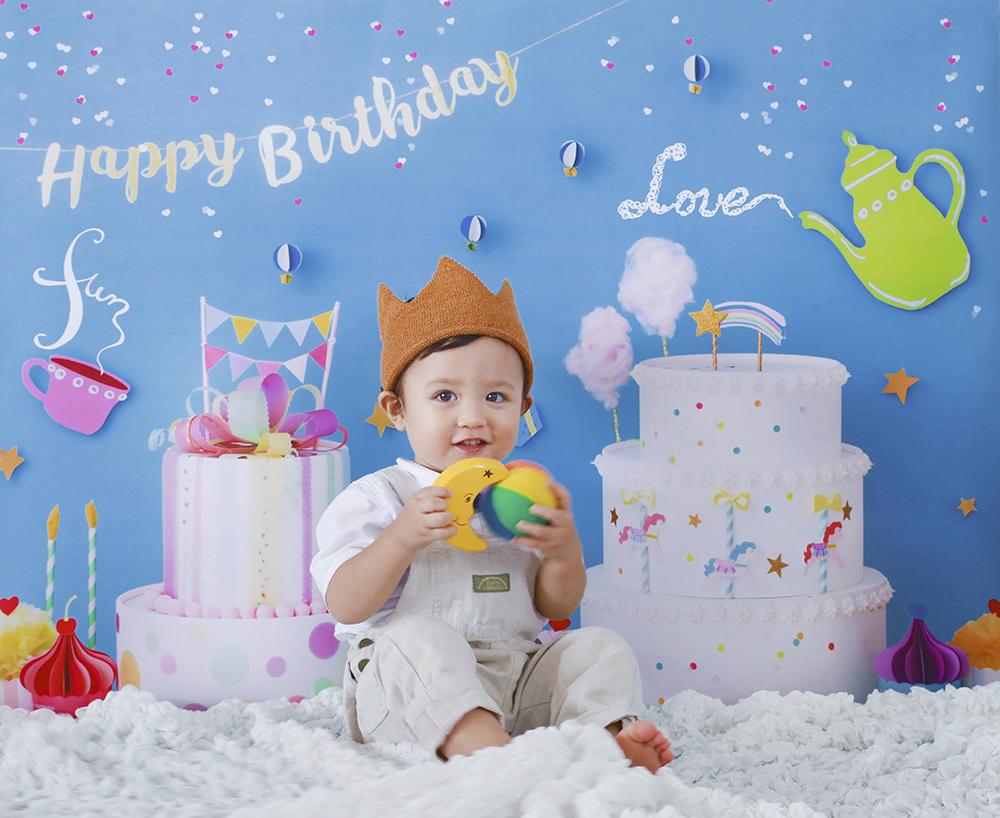 誕生日写真を自宅で簡単に撮れる「おうち写真館」こちらのデザインはsweets land SODA BLUE