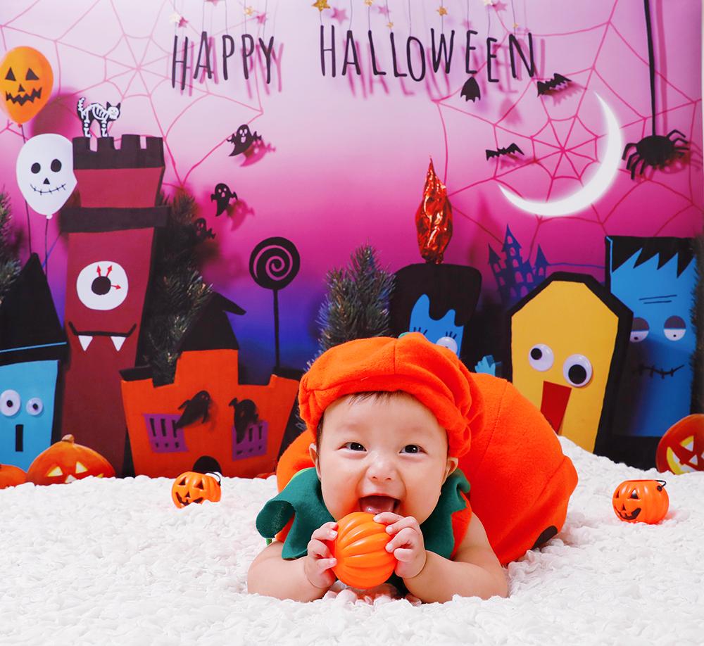 ハロウィン背景 デザイン Trick town グラこころ 男の子 赤ちゃんの写真 魔女 かぼちゃパンプキン 仮装 きぐるみ